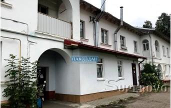 Продам 2-комнатную квартиру в Барановичах под перевод в нежилое помещение